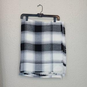 NWT LB blanket wrap scarf, black/white plaid